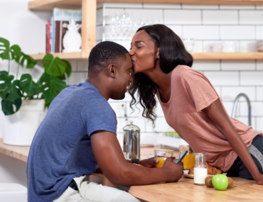 How to improve communication in romantic relationship